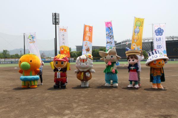 http://www.m-pirates.jp/news/42204f21dbd2fed1f36151e101a79aa7cf582cdc.jpg